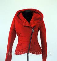 Женская демисезонная куртка - косуха красного цвета Сприн