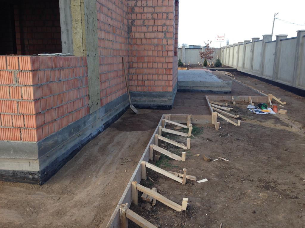 Качественная укладка тротуарной плитки с установкой ливнеприемников  (частная территория) 100 м.кв. 1