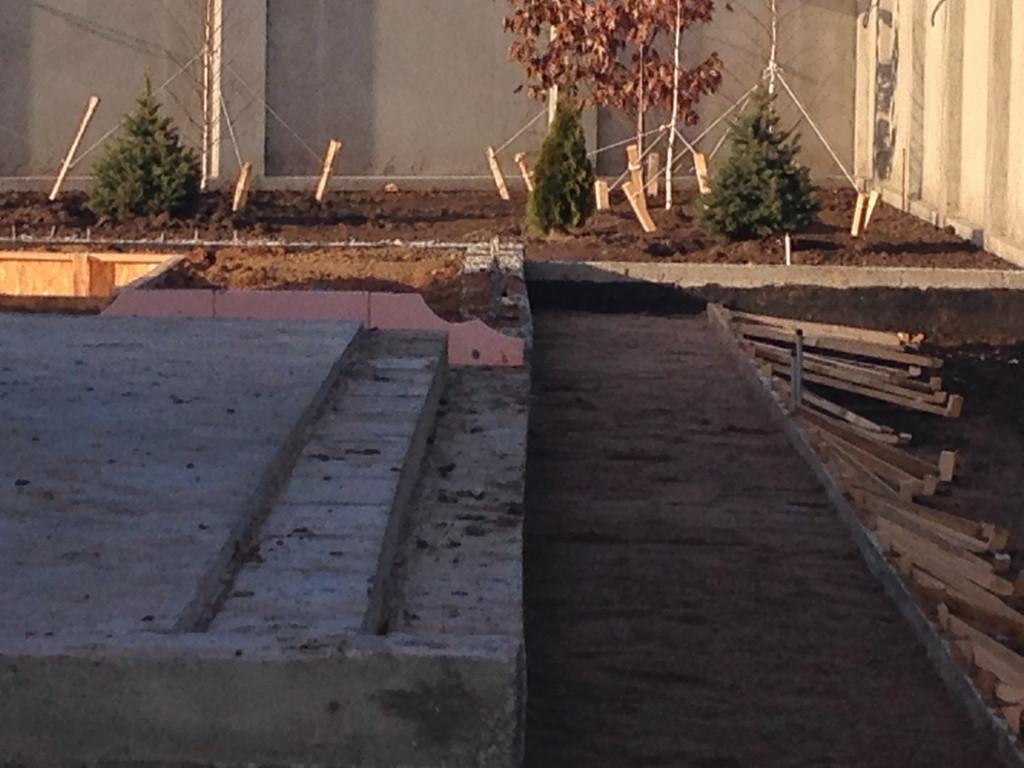 Качественная укладка тротуарной плитки с установкой ливнеприемников  (частная территория) 100 м.кв. 2