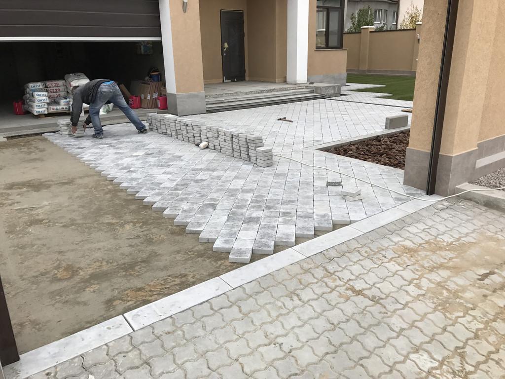 Качественная укладка тротуарной плитки с установкой ливнеприемников  (частная территория) 100 м.кв. 10