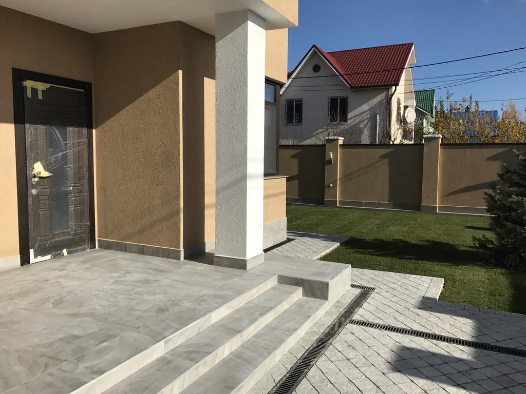 Качественная укладка тротуарной плитки с установкой ливнеприемников  (частная территория) 100 м.кв. 19