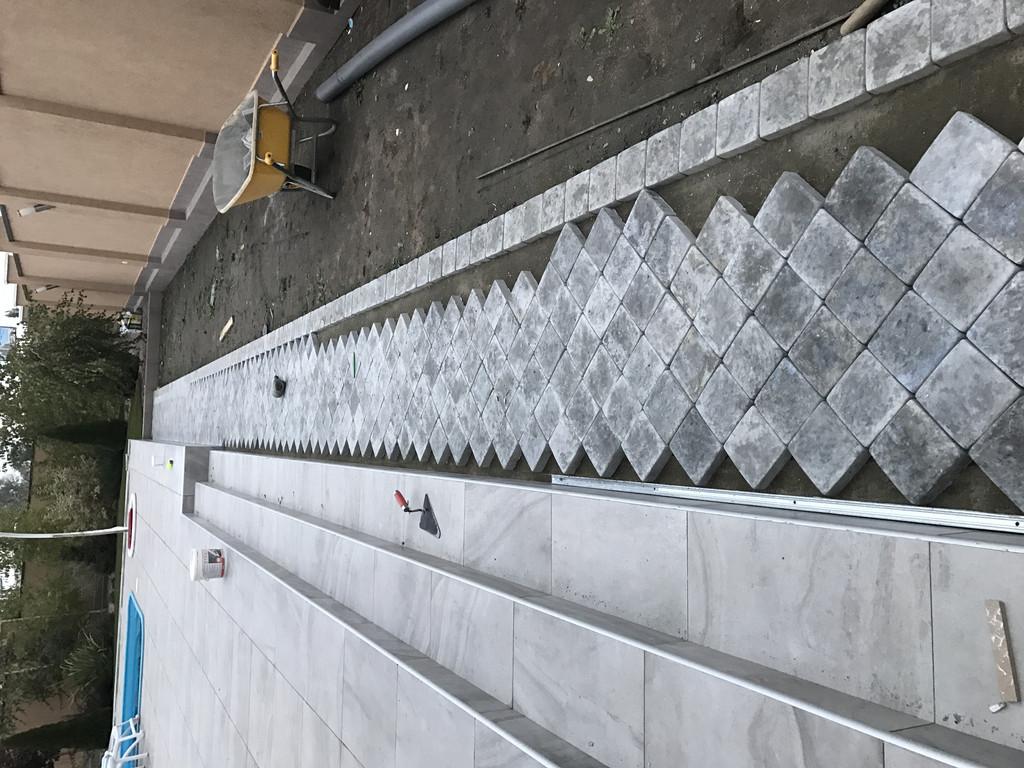 Качественная укладка тротуарной плитки с установкой ливнеприемников  (частная территория) 100 м.кв. 13