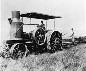 1910  International Harvester представила превосходный трактор Titan, который благодаря размеру и мощности стал визитной карточкой тракторов.