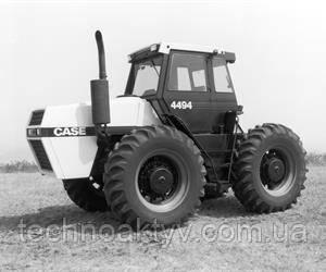 1984  Case представила новую линейку тракторов с приводом с двумя ведущими осями серии 94, включая самую мощную машину в истории компании, 4994. Модель 4994 оснащена V-образным 8-цилиндровым двигателем с турбонагнетателем полной мощностью 400 л.с.