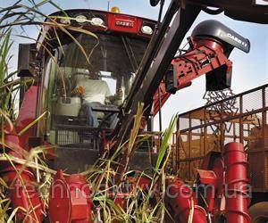 2013  Case IH представляет первую двухрядную машину для уборки сахарного тростника с переменной шириной междурядий, которая имеет значительные преимущества в отношении универсальности и скорости уборки.