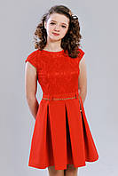 Элегантное подростковое платье с короткими рукавами и гипюровым верхом, красное