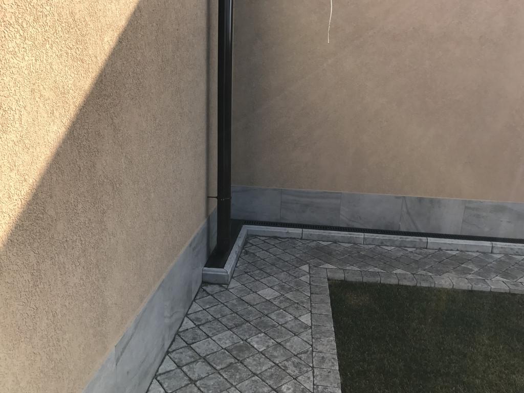 Качественная укладка тротуарной плитки с установкой ливнеприемников  (частная территория) 100 м.кв. 22