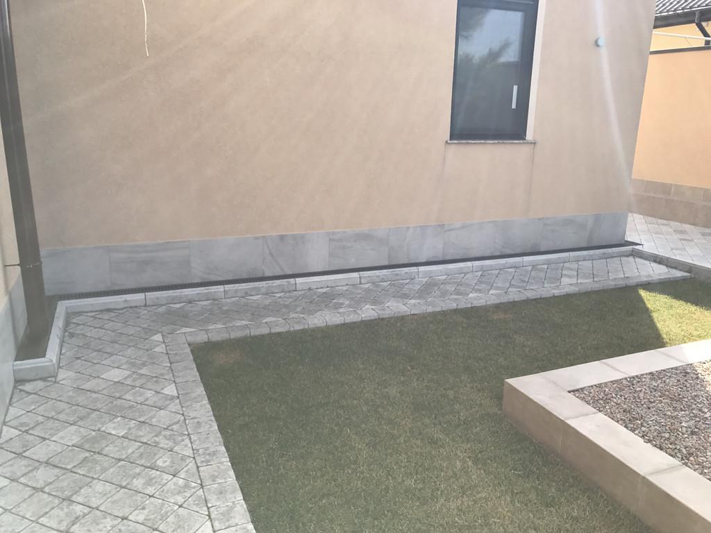 Качественная укладка тротуарной плитки с установкой ливнеприемников  (частная территория) 100 м.кв. 23