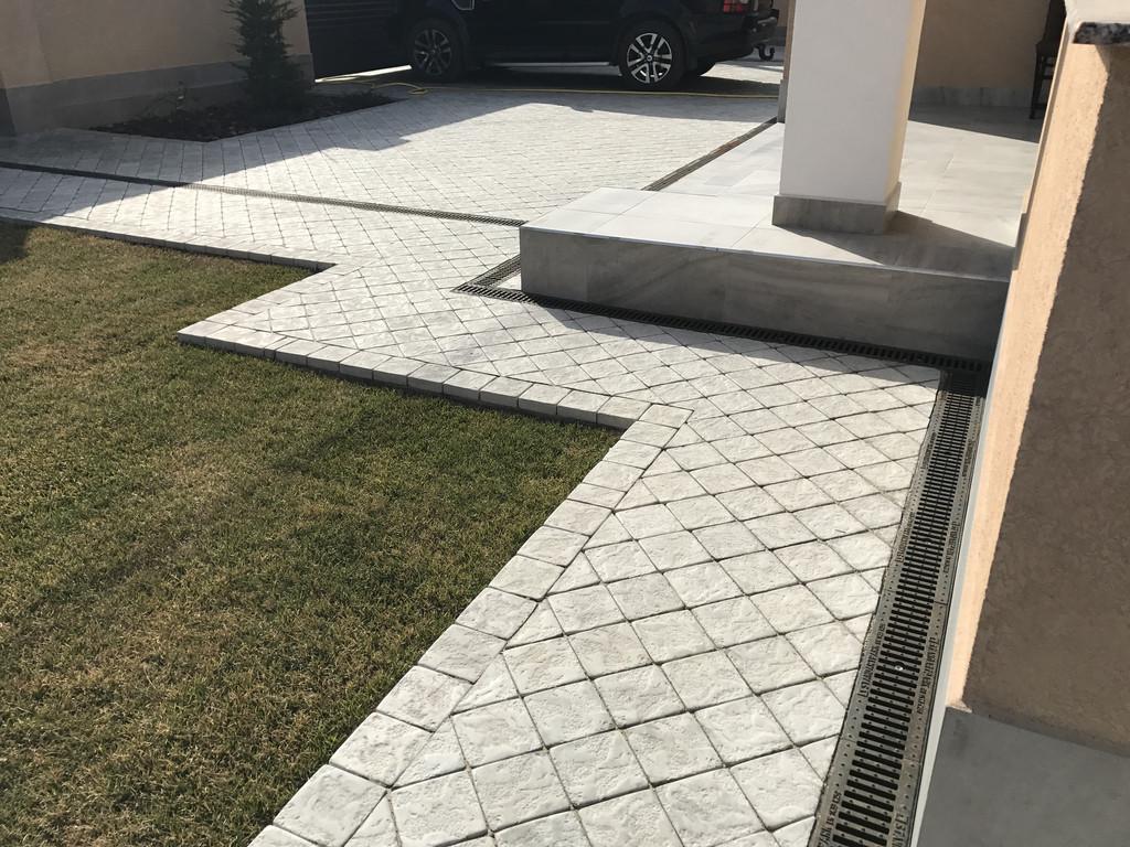 Качественная укладка тротуарной плитки с установкой ливнеприемников  (частная территория) 100 м.кв. 28