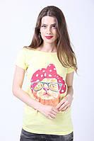 Желтая футболка с изображением кота