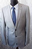 Мужской костюм Butler Web серый приталенный серый светлый