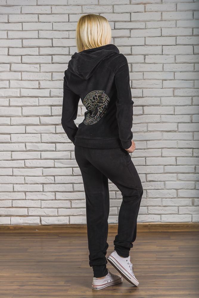 Велюровый костюм со стразами черный