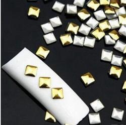 Декор для ногтей квадратики, золото, 3 мм, 100 шт