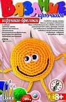 """Набор LORI Вязание крючком игрушка-брелок """"Веселый смайлик"""""""