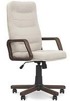 Кресло с деревянными подлокотниками Эксперт (Expert) extra Новый Стиль LE-A