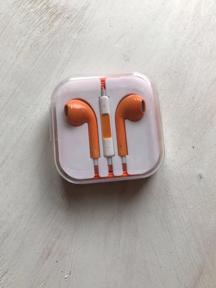 Наушники Apple EarPods оранжевого цвета