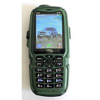 """Мобильный телефон Land Rover S23 (3 SIM) 2,4"""" 0,3 Мп green зеленый + USB-лампа Гарантия!"""