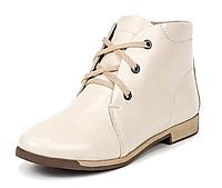 Женские демисезонные ботинки кожаные бежевые с шнурками на термополиэстеровой подошве с маленьким каблуком