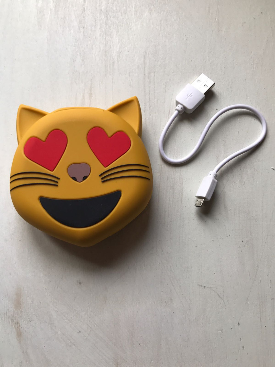 Дополнительный аккумулятор power bank смайл котик для телефона 8800 мАч