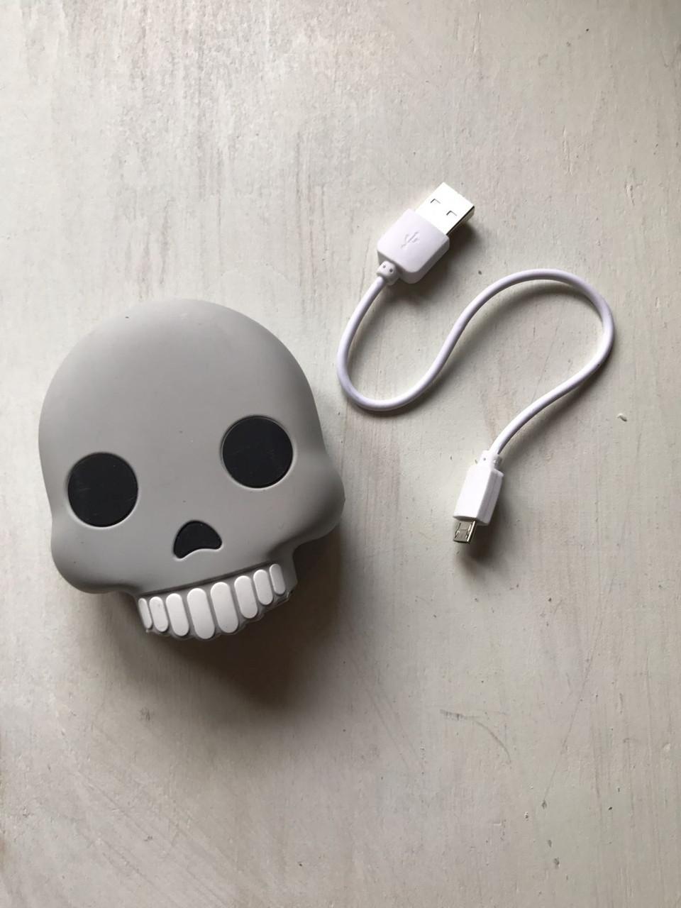 Портативный аккумулятор повер банк смайл череп для телефона 8800 мАч