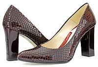 Женские весенние лакированные туфли на каблуке, бордовые. Польской фабрики Embis