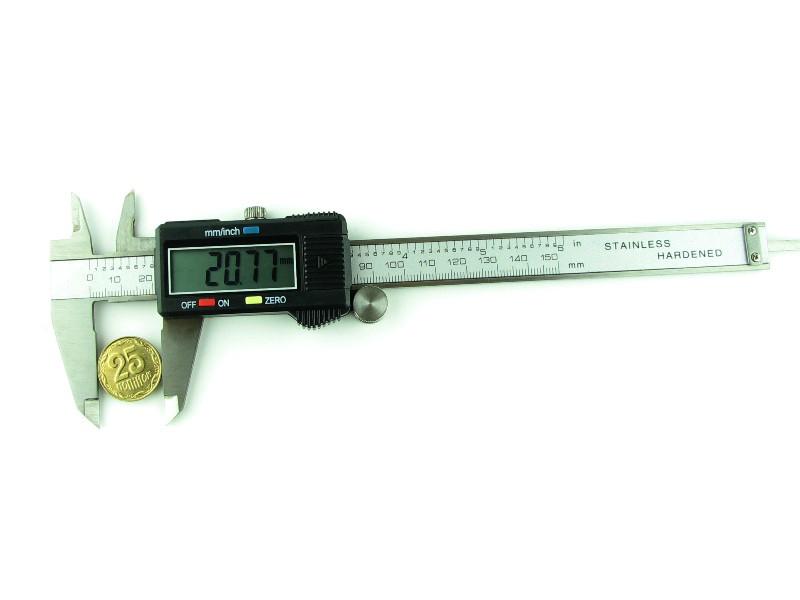 Штангенциркуль цифровой 150мм разрешение 0,01мм черный