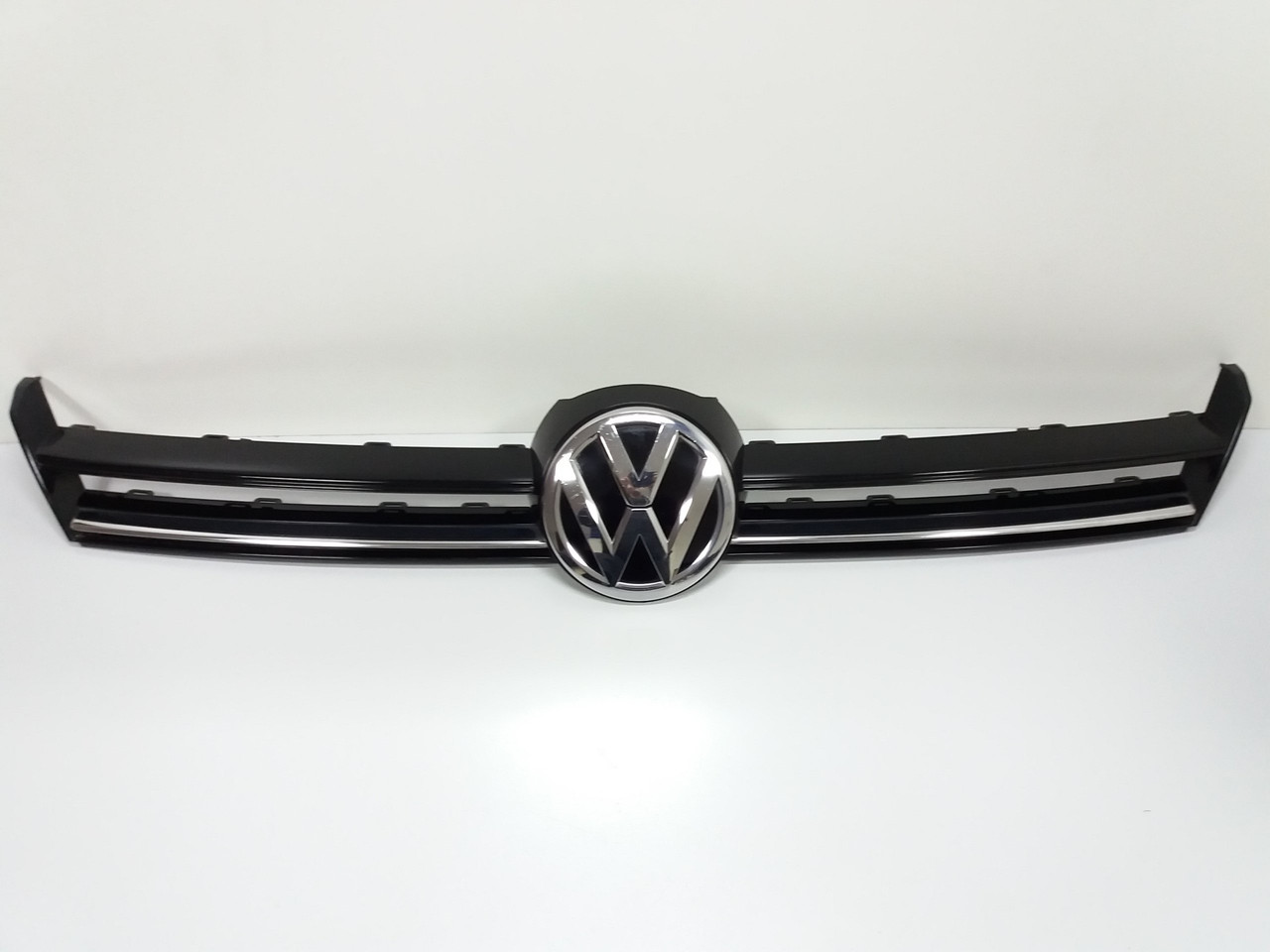 Решетка бампера VW GOLF VII 7 5G0853655D