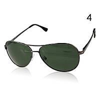 Солнцезащитные очки поляризационные с оливковыми линзами в черной оправе Aviator