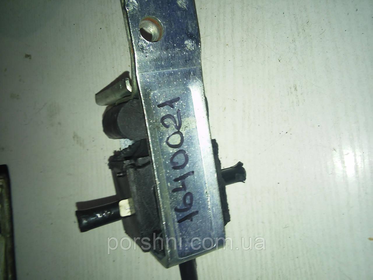 Подушка двигуна Ford Escort 86 -- Fiesta 84 -- CVH RH 1640021
