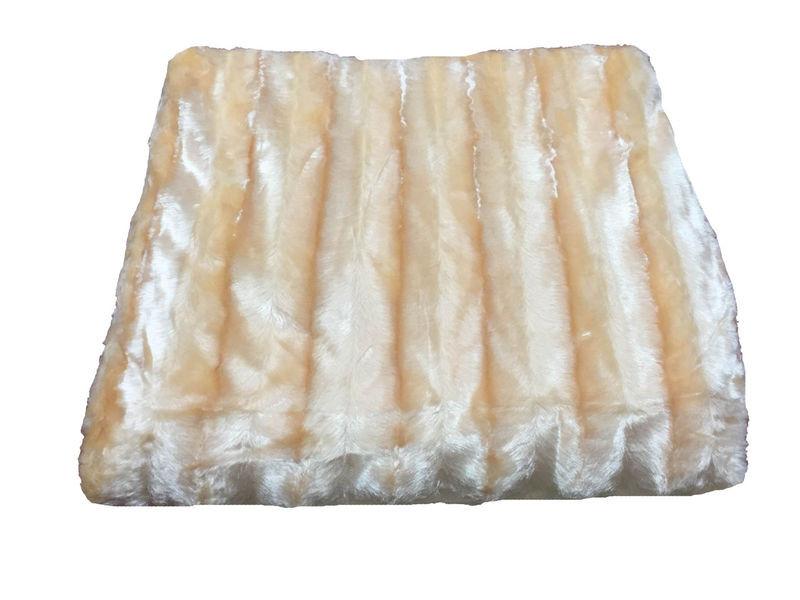 Шикарное меховое покрывало от производителя