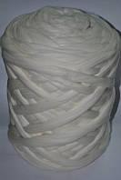 Толстая, крупная пряжа 100% шерсть мериноса. Цвет: Белый. 26-29 мкрн. Топс.