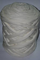 Толстая, крупная пряжа 100% шерсть мериноса. Цвет: Белый. 26-29 мкрн.Топс.