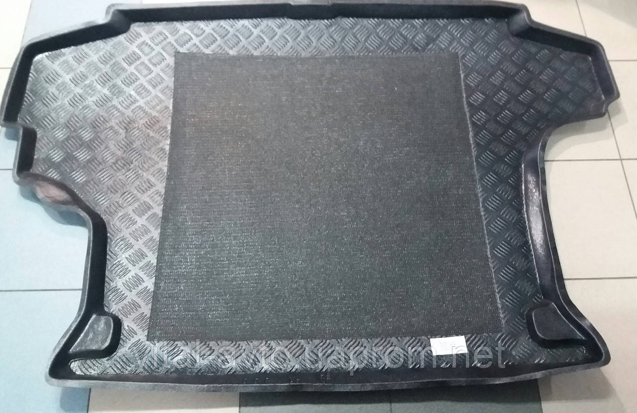 Коврик в багажник резино-пластиковый Nissan x Trail 2001-2007 г.