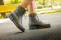 """Ботинки в серо-синей коже со вставками кожи с текстурой """"чешуя"""" на шнурках на устойчивой подошве черного и синего цвета коллекция осень-зима"""