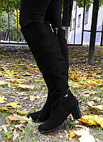 Сапоги женские из натуральной замши черного цвета на молнии.