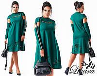 Стильное зеленое  платье батал с выбитым рисунком. Арт-2095/21