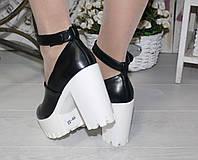 Женские туфли с закрытым носком,на тракторной белой подошве р.38,39,40