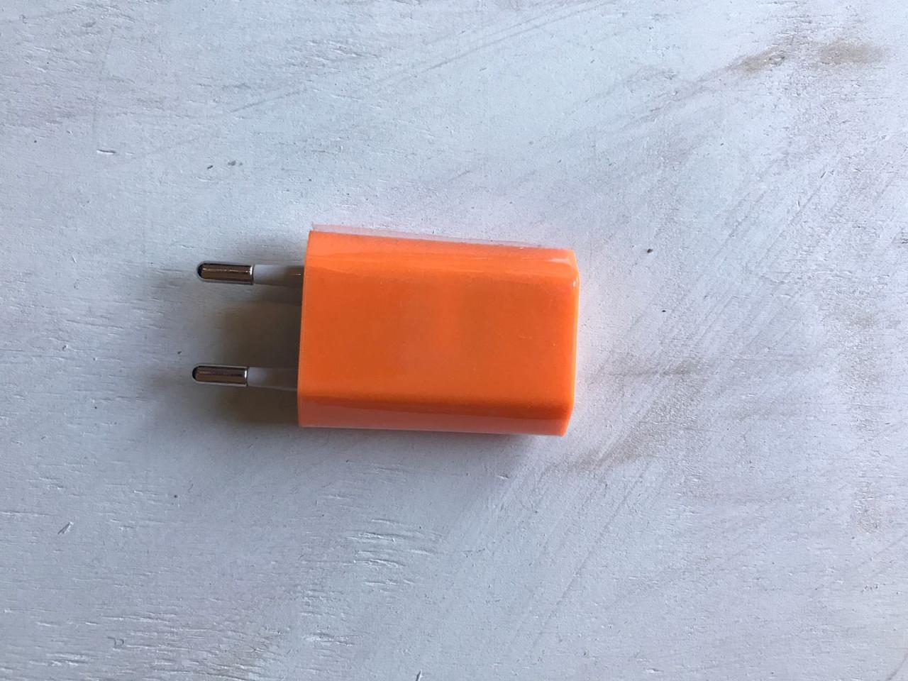 USB адаптер (переходник) для розетки 5V/1.5A оранжевого цвета