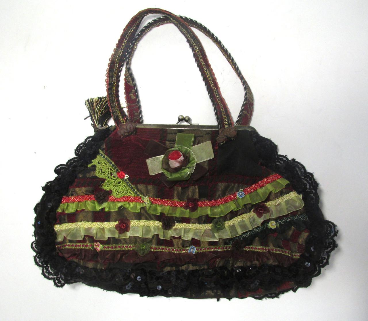 Сумочка женская с вышивкой, Дизайн!