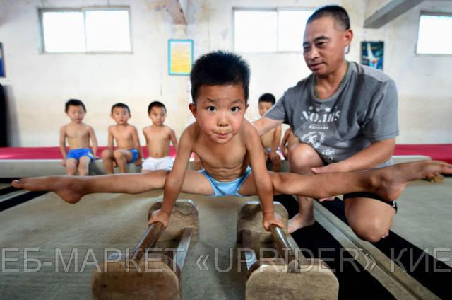 Детский гимнастический летний лагерь в Китае