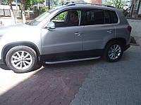 Volkswagen Tiguan 2007+ и 2012+ гг. Боковые площадки BlackLine (2 шт, алюминий)