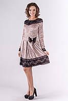 Нарядное велюровое платье с ажурной отделкой