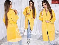 Длинное стильное женское пальто на пуговицах