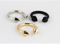 Женское кольцо панк-заклепки стрелка