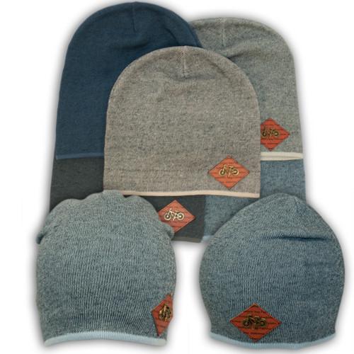 вязаная шапка с нашивкой для мальчика Kx55 купить оптом от