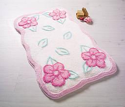 Фигурный коврик для ванной белый с розовыми цветами 60х100 см Confetti Ramses Pastel Pembe CB38