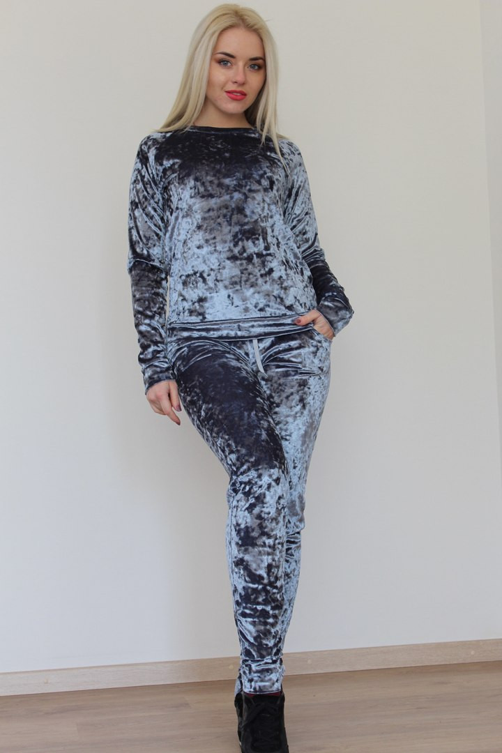 Бархатный костюм женский