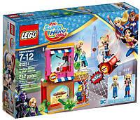 LEGO®  DC Super Hero Girls  Харли Квинн™ спешит на помощь 41231