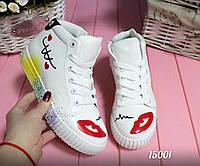 Женские высокие кроссовки,материал - иск.кожа,цвет белый