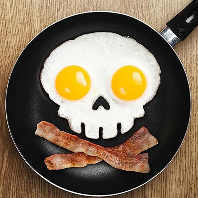 Форма для яичницы в форме черепа! Оригинальный завтрак настоящего пирата!